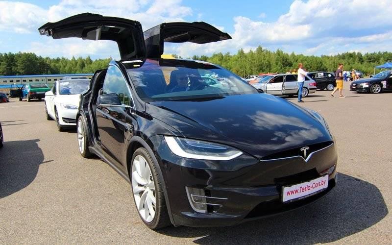 Минские владельцы tesla: «на белорусских дорогах станет больше электромобилей, когда запустится белаэс» - citydog.by | журнал о минске