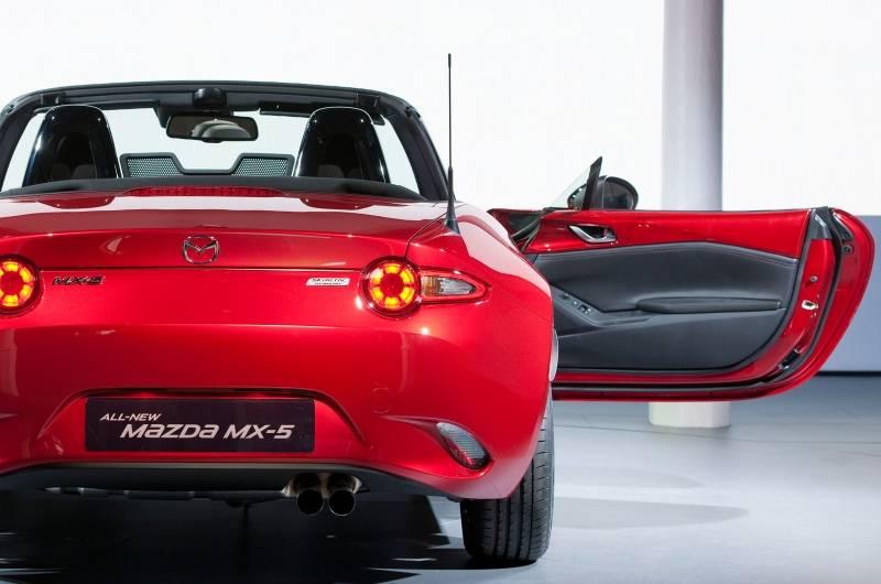 Mazda cx-30 — обзор премиального компактного внедорожника