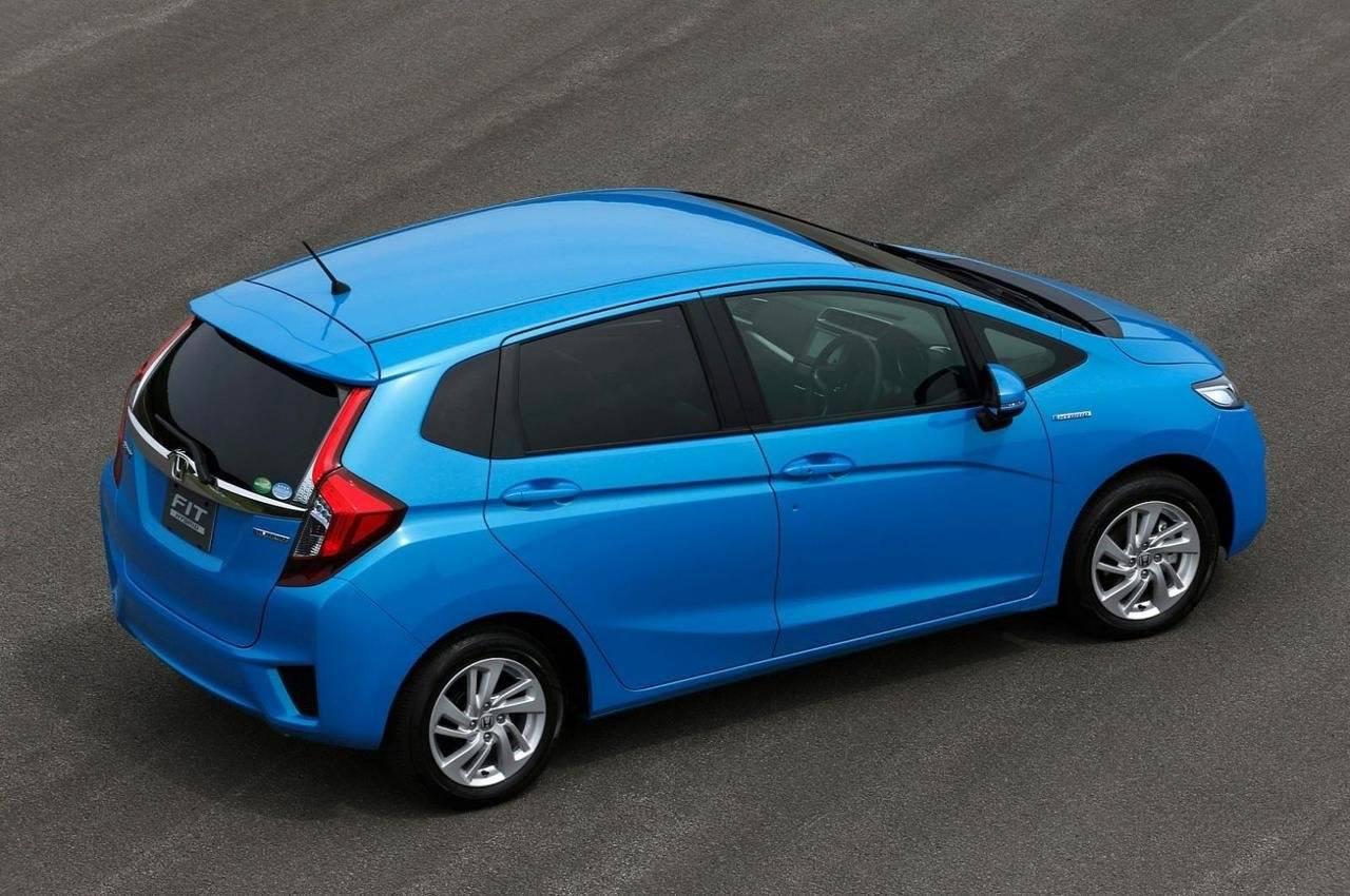 Маленький и шустрый: обзор Honda Fit II поколения