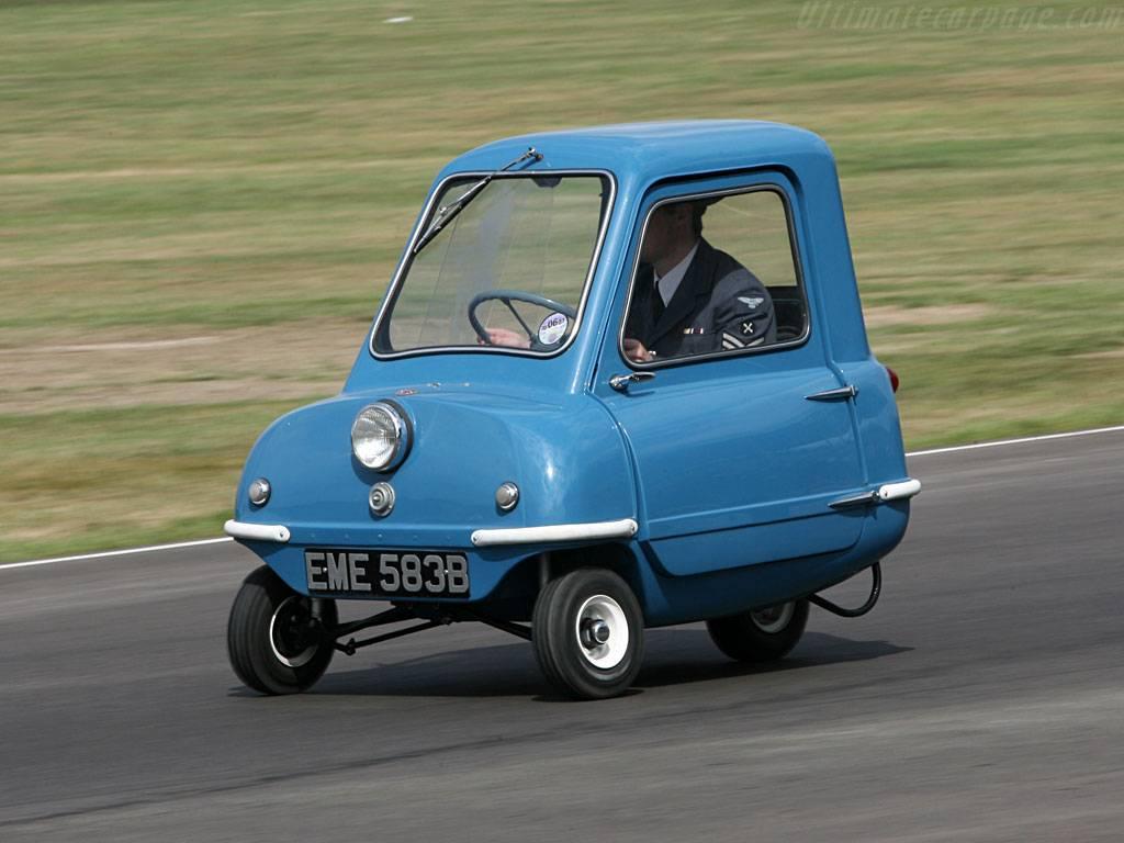 Какая самая маленькая машина в мире (компактные автомобили) - самый самый