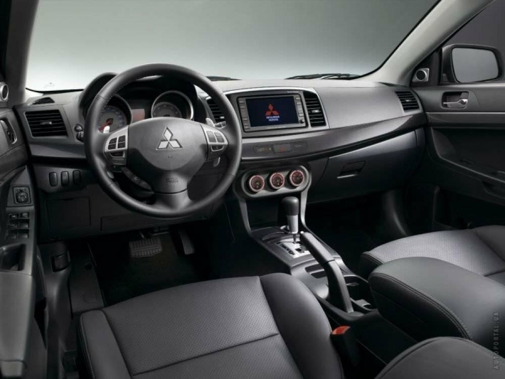 Овечка в волчьей шкуре? Честный обзор Mitsubishi Lancer X