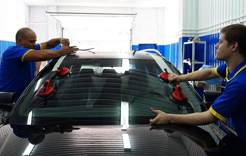 Как правильно вклеить автомобильное стекло.