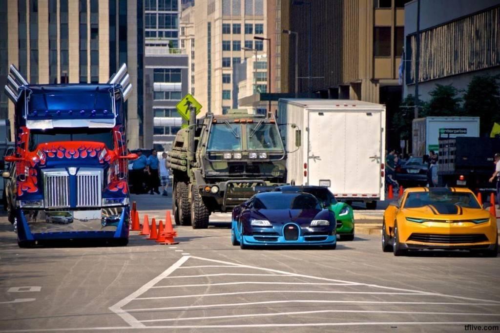Машины из фильма трансформеры. трансформируюсь, активация: все автомобили из «трансформеров желтая машина из трансформеров имя