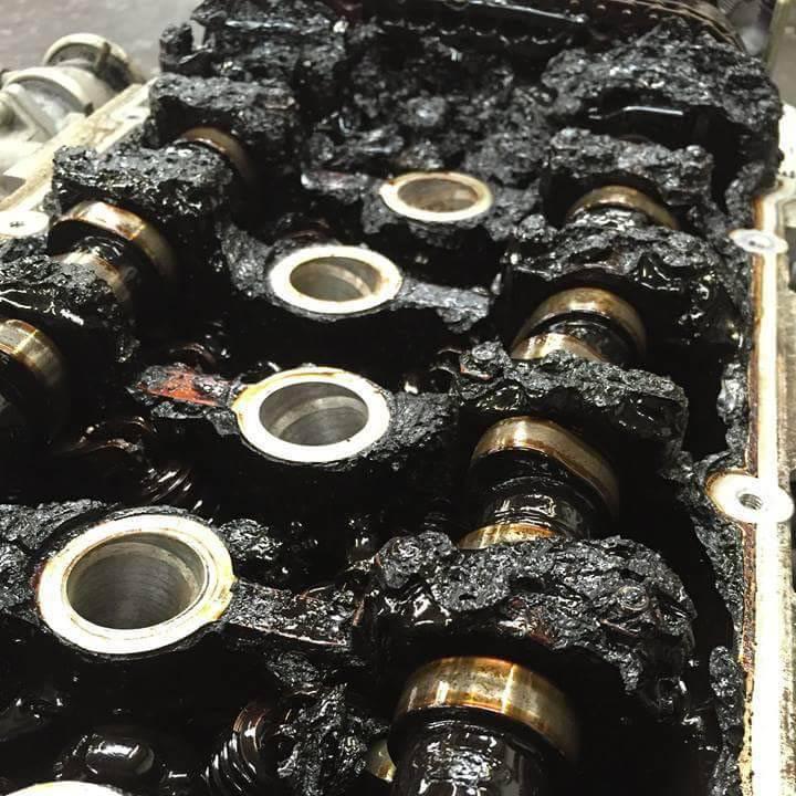 Причины и следствия почернения моторного масла — maslomotors.ru