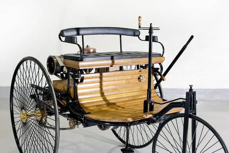 Самые первые автомобили   история