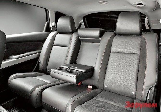 Самый большой семейный кроссовер от Mazda: обзор CX-9 I поколения