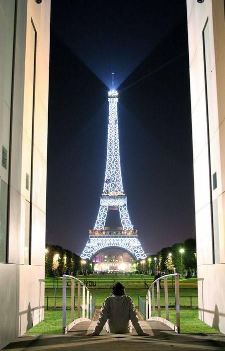 Самостоятельная экскурсия по парижу. от лувра к эйфелевой башне