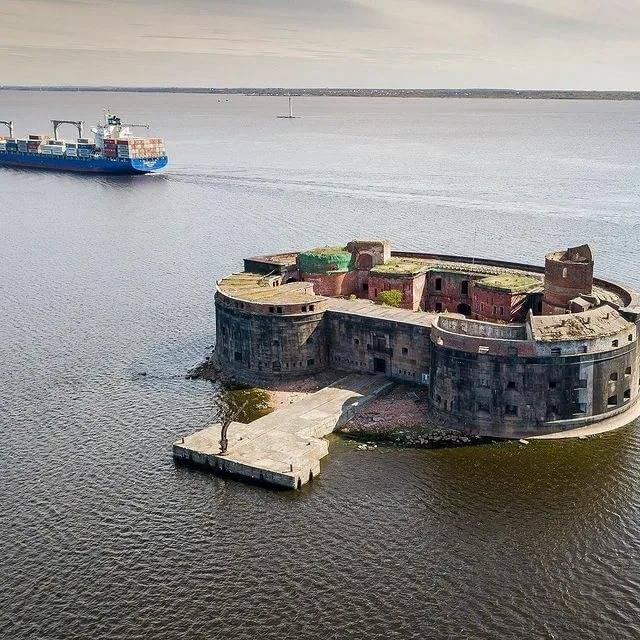 Парк «остров фортов» в кронштадте: посвящается вмф