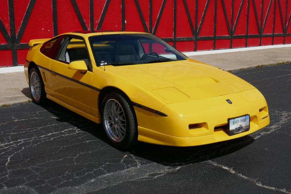 Pontiac fiero, обзор автомобиля