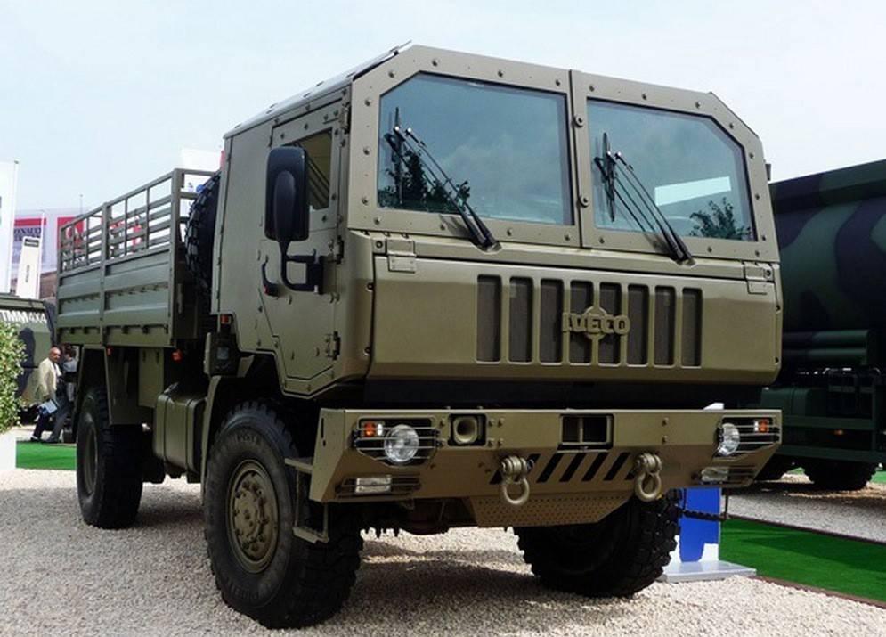 Новые военные грузовые автомобили