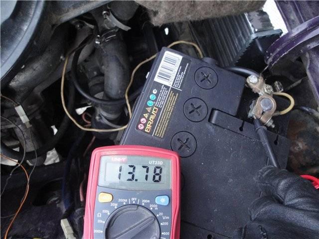 Что делать если произошла полная разрядка аккумулятора машины