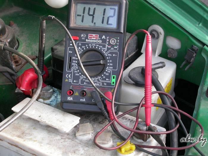 Как проверить заряжает ли генератор аккумулятор   автомеханик.ру