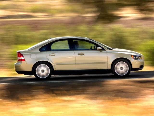 Сравнение автомобилей седан ford focus ii и седан volvo s40 ii рестайлинг