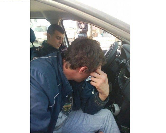 В Минеральных водах покупатель угнал машину прямо во время осмотра