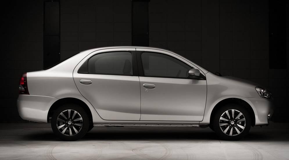 Самые дешевые автомобили в 2021 году: новые и б/у