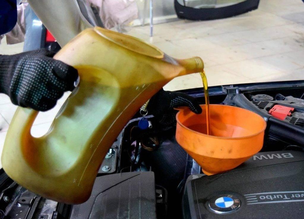 Какое масло меньше угорает в двигателе