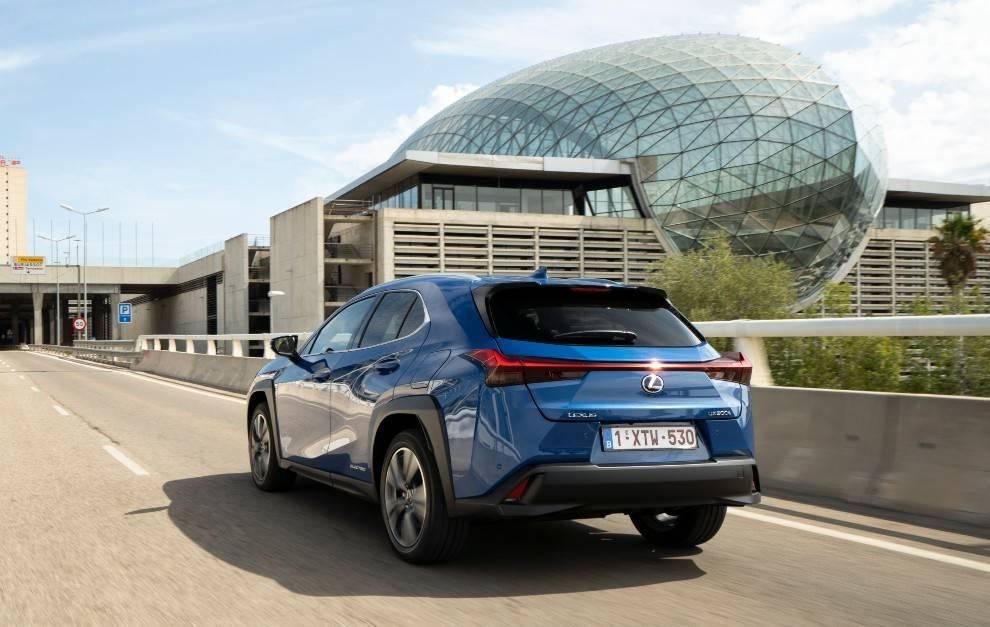 Lexus показала свой первый серийный электромобиль