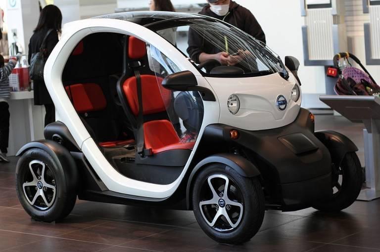 Новинка от компании renault - электромобиль renault zoe. электромобили renault — будущее становится реальностью