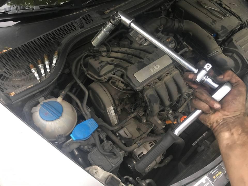 Подробно о свечах зажигания, как заменить на автомобиле skoda