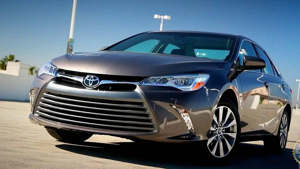 Чем старая Toyota Camry XV50 лучше новой XV70