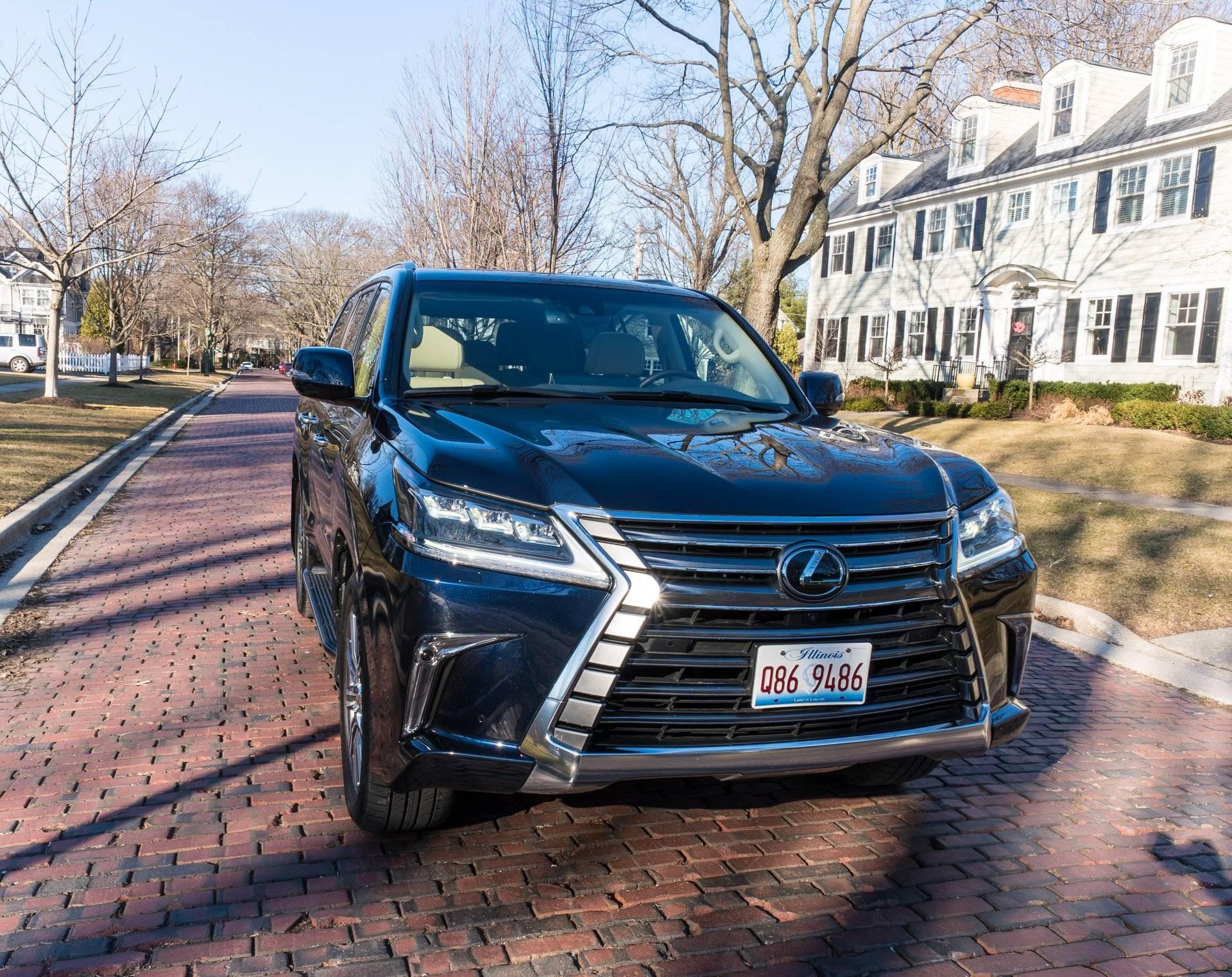 Семейный бизнес-класс: обзор Lexus LX 570