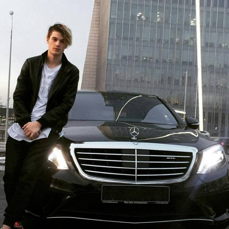 11 нарушений в день: «Гелендваген» Егора Крида