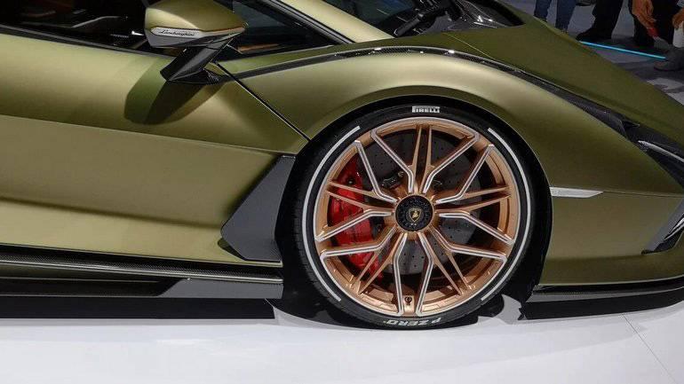 Lamborghini представила суперкар sian с гибридным двигателем