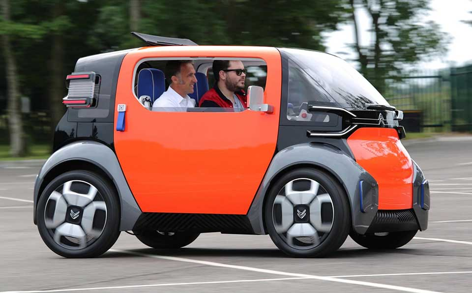 Электромобиль AMI – меньше, чем Смарт, быстрее чем квадроцикл