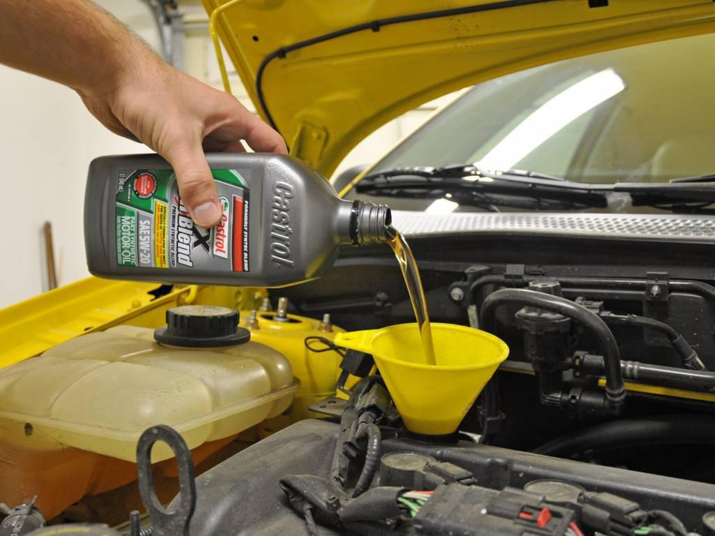 Симптомы использования неподходящего моторного масла в вашем автомобиле (что происходит?)