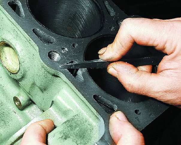 Как производится замена блока цилиндров двигателя автомобиля
