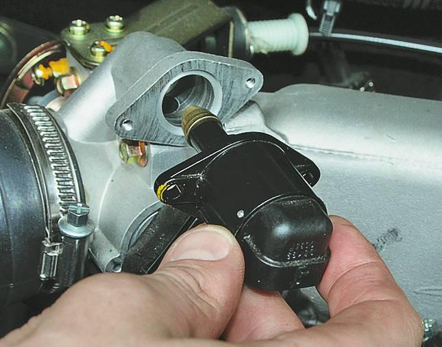 Машина дёргается при нажатии на педаль газа: причины и советы по исправности