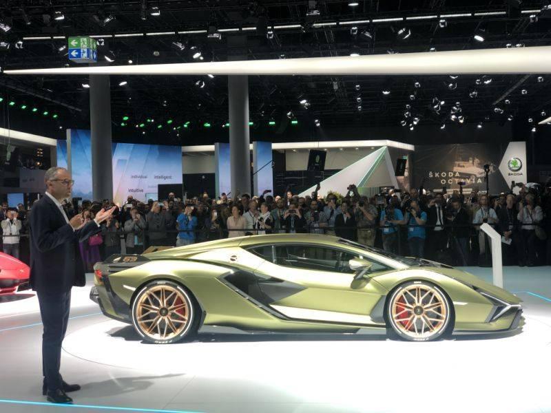 Lamborghini sian оказался самым безбашенным суперкаром франкфурта