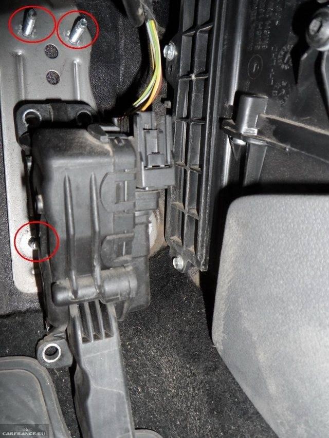 Как заменить салонный фильтр форд фокус 2