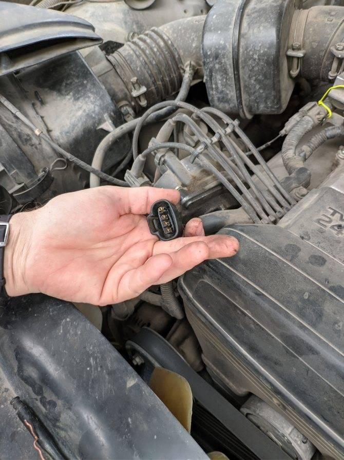 Стук в двигателе, причины стука, как определить что стучит в двигателе на холодную и на горячую