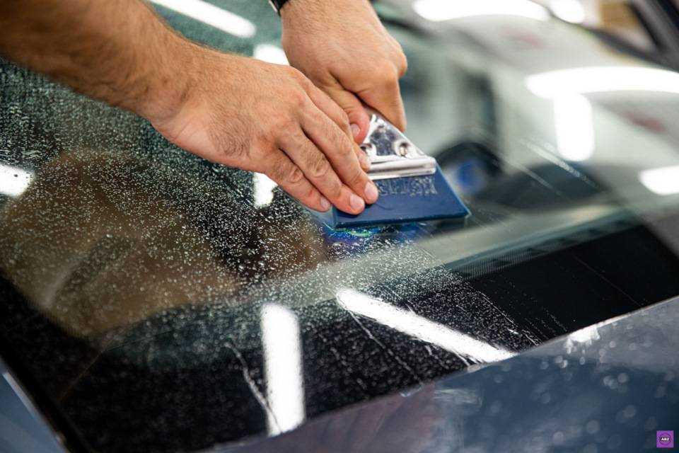 Бизнес на ремонте и замене автомобильных стекол. плюс продажа лобовых стекол.