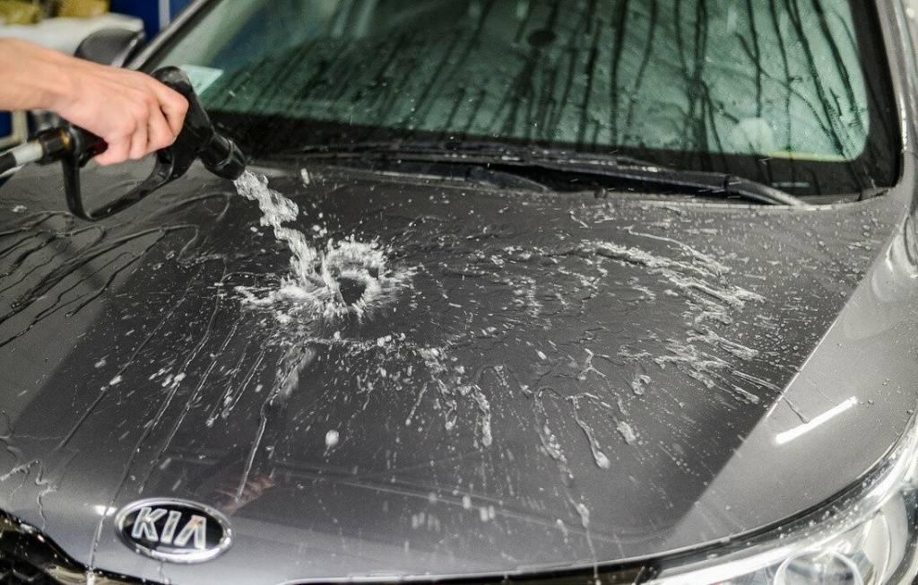 Жидкий воск и кузов автомобиля: как обрабатывать без ошибок