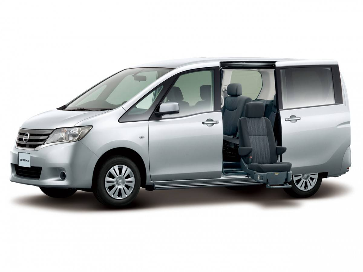 Семейные Nissan Serena II: остались ли живые экземпляры