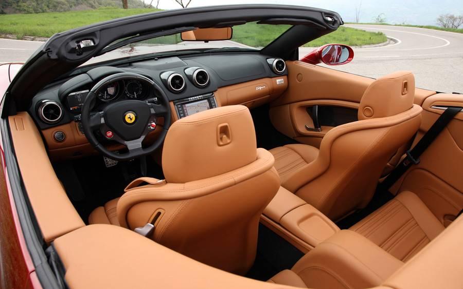 ТОП-5 авто с самым красивым и комфортным салоном
