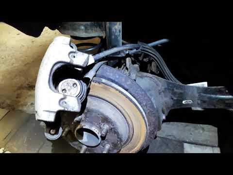 Снятие и замена тормозного диска ford focus 2: разъясняем со всех сторон