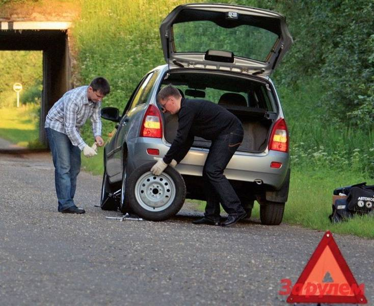 Если разбили стекло машины: что делать и что грозит?