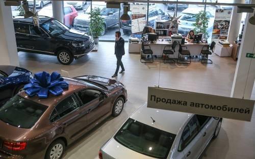 Названы производители, которые опустили цены на авто, пока другие их поднимают
