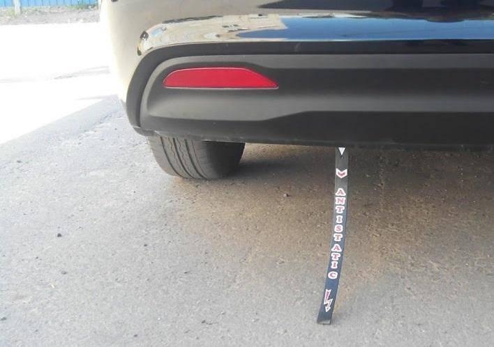 Машина бьется током при выходе — как устранить причину