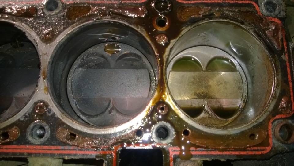 Мотор жрет масло но не дымит