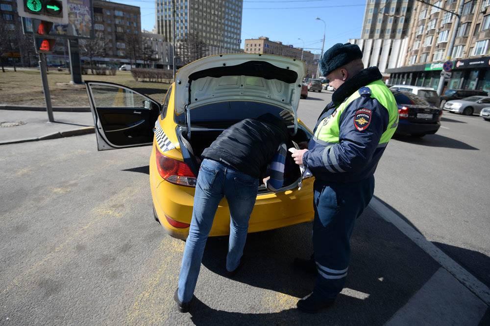 12 советов: сотрудник дпс остановил и просит открыть багажник. что делать? / правовой дневник / блоги практикующих юристов.
