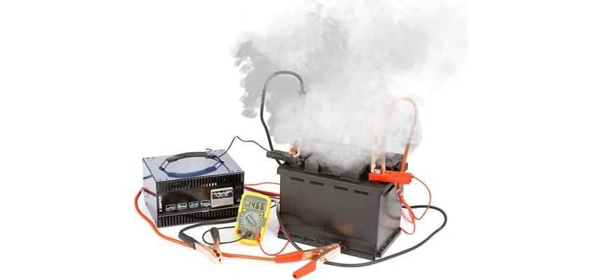 Взрыв аккумулятора: из-за чего происходит, последствия, как избежать