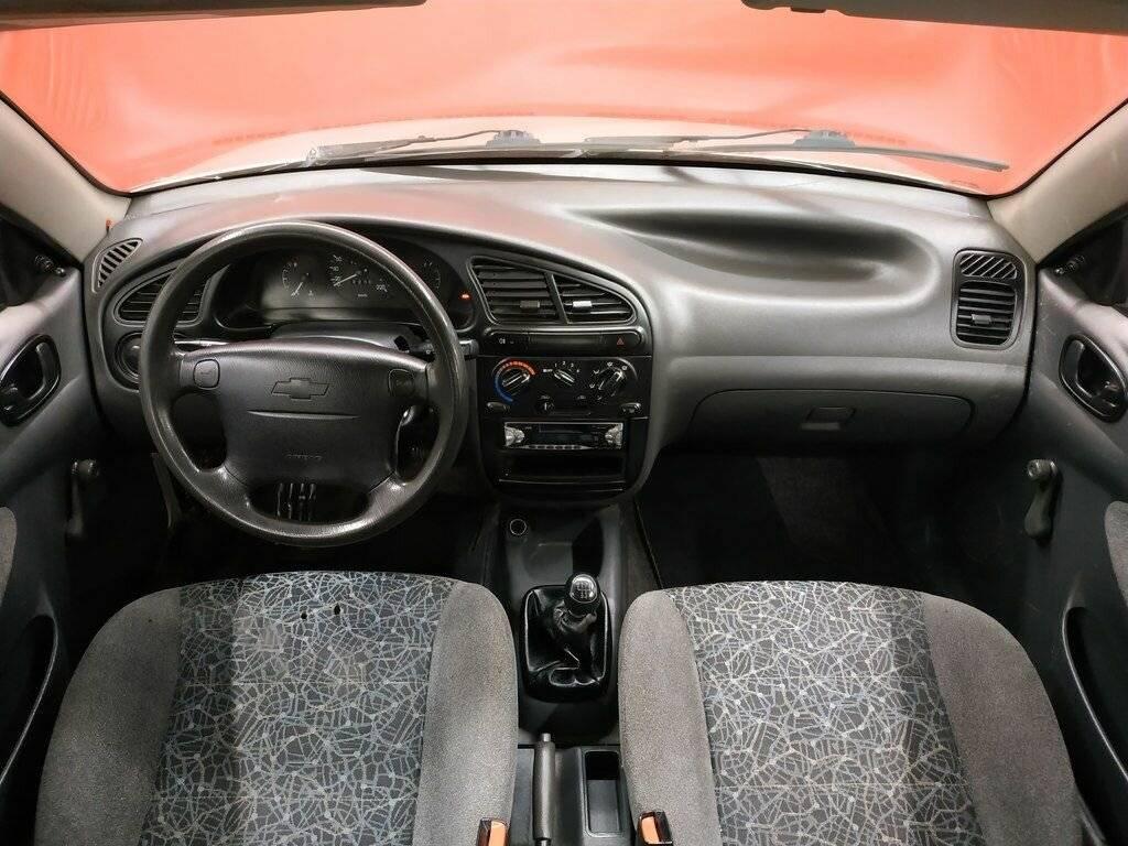 Lada 2172, daewoo lanos: дешево или сердито?