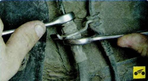 Замена переднего тормозного шланга на автомобилях ваз-2101, ваз-2102, ваз-2104, ваз-2105, ваз-2106, ваз-2107, классика – замена тормозного шланга ваз, передние тормозные шланги ваз, шланги тормозные в
