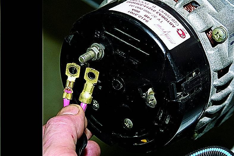 Генератор дает перезаряд на аккумулятор, причины и способы их устранения