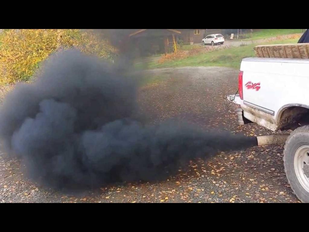 Дым из выхлопной трубы бензинового двигателя: причины и последствия - информация - резина топ