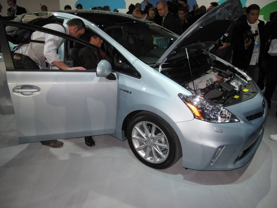 Вся правда о гибриде Toyota Prius II (XW20)